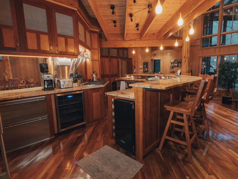 Cedar Crest Lodge features a gourmet kitchen that makes group meal prep a snap.
